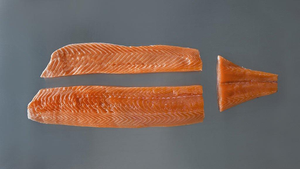 Come tagliare una baffa di salmone